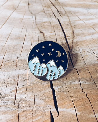 Mountains Pin