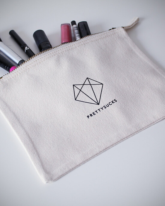 Make Up Bag - 16 x 22 cm