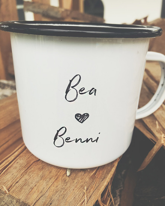 Customizable enamel mug